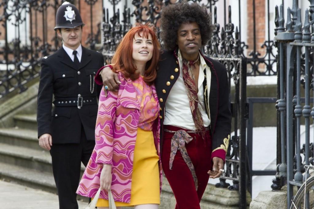 """André Benjamin, du groupe """"Outkast"""", juste et touchant en Jimi Hendrix."""
