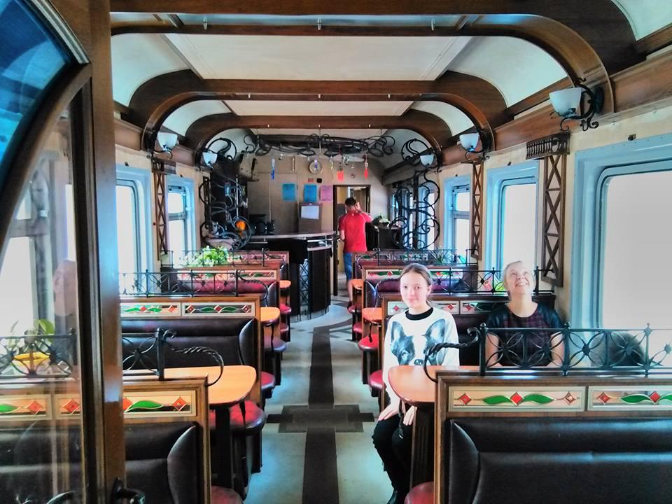 Les couleurs du wagon restaurant- photo: Nicolas Ancion