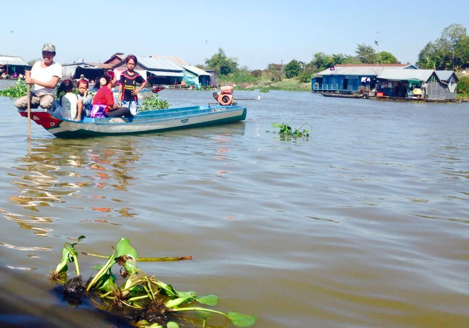 Pêcheurs - village flottant Cambodge